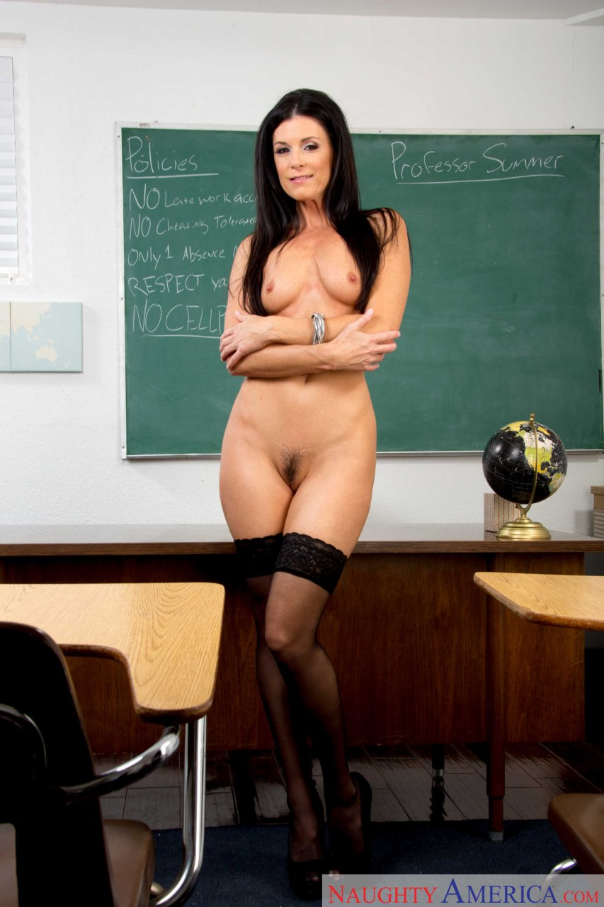 naked-wheit-teachers-jennifer-love-hewitt-nude-video